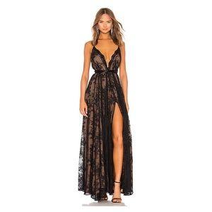 A GORGEOUS worn once dress! ✨✨✨
